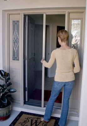 benefits of retractable screen doors