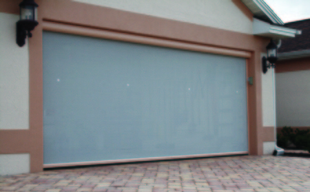 Garage screen, retractable screen